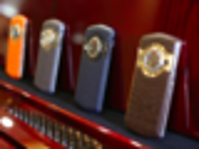 瑞士大师力作 8848钛金手机私人订制版图赏