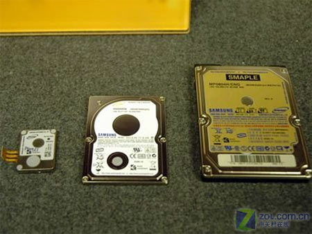三星1.8英寸移动硬盘其硬盘盘体只有名片大小
