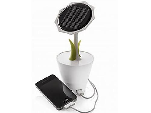 摆设却能充电 xd设计向日葵太阳能充电器