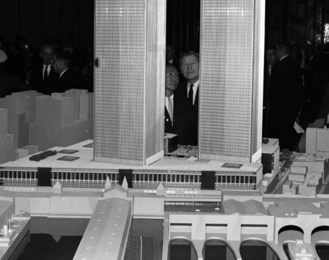 世贸大厦周年纪念 回顾双子塔的风雨路