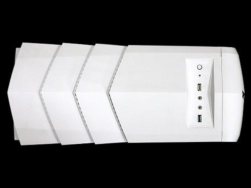 """""""白宝塔""""机箱的顶部及前面板的鳞片式设计不但非常美观独特"""