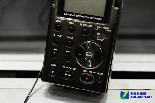 2013香港视听展 TASCAM DR100MK2录音笔