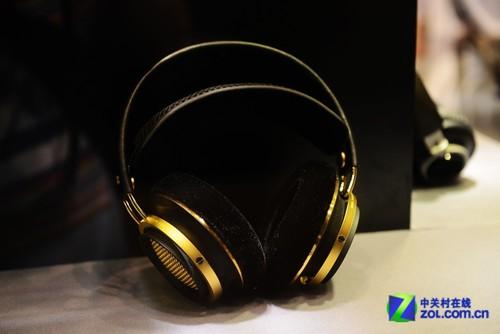 2013香港视听展 飞利浦X1限量版耳机