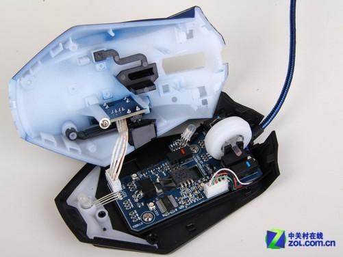 侧键电路板被固定在鼠标上壳上,通过可拆卸式排线与鼠标 主板相连接.