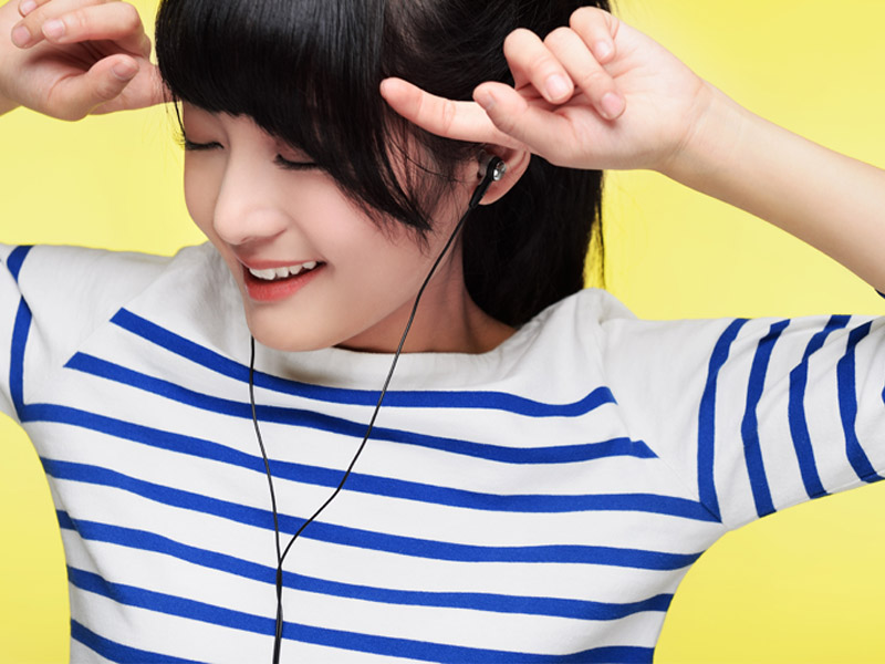 美女的时尚配饰 森麦多款耳机产品图赏