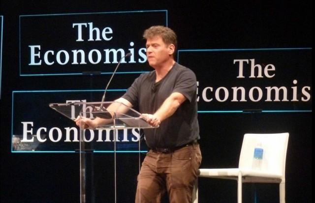 3. 安德鲁·基恩(Andrew Keen),Web 2.0浪潮下最著名的互联网文化评论家之一。他曾预计,2008年的经济危机会对人们的互联网使用方式造成巨大影响。