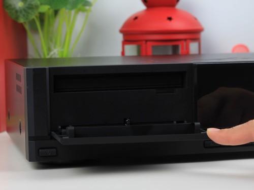 专业3D蓝光播放机 华录BDP3000新品上市