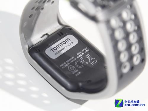 TomTom全新户外GPS腕表亮相CES2014