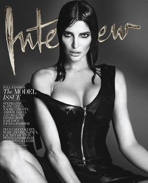 Stephanie Seymour就是初代超模的最佳代表,这是今年已经46岁的她为Interview杂志拍摄的封面,这才叫真正的熟女,真正的性感。