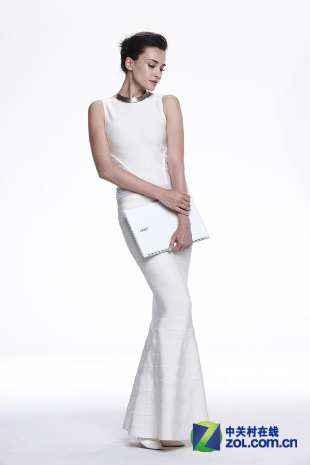 纯白色之优雅 宏碁S7超极本气质图赏