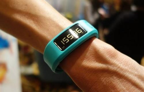一年不用充电!佳明vivofit智能手环