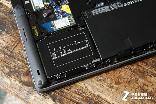 惠普笔记本电脑拆卸图解