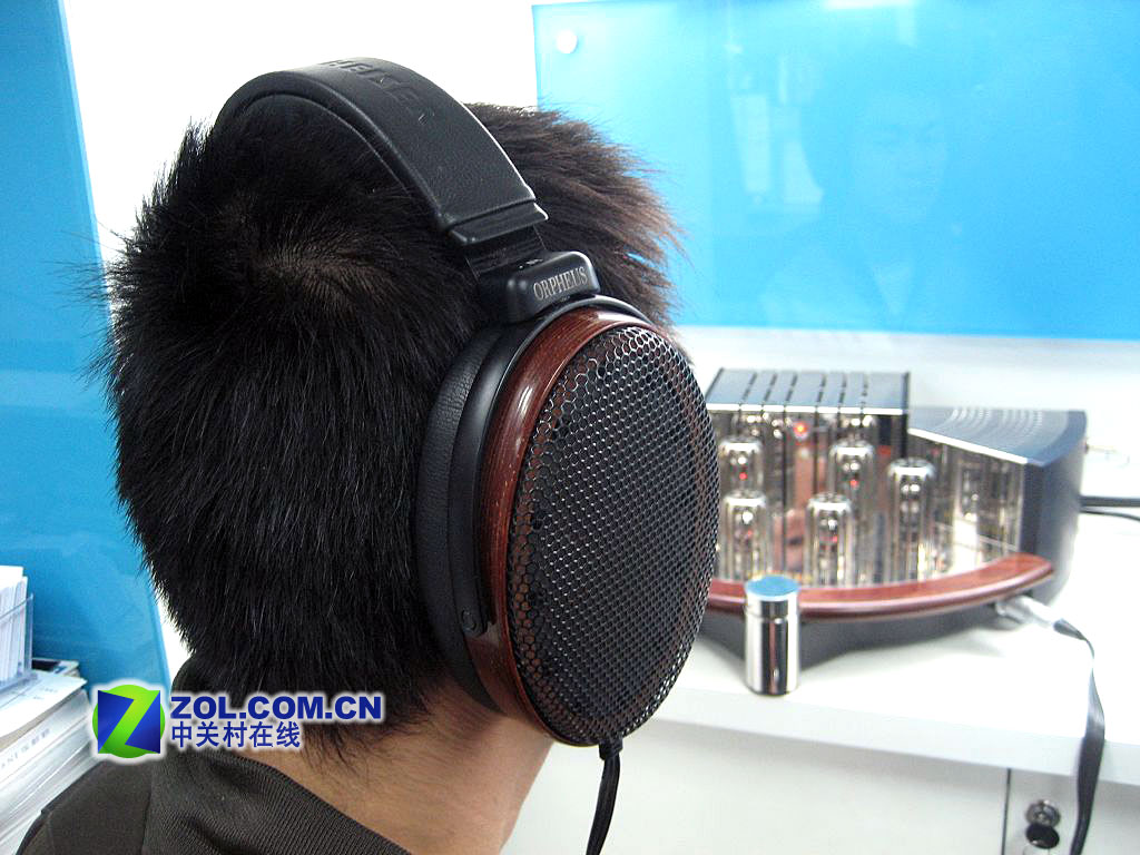"""【高清图】 售价20万元 森海塞尔""""奥菲斯""""耳机抵京图12"""