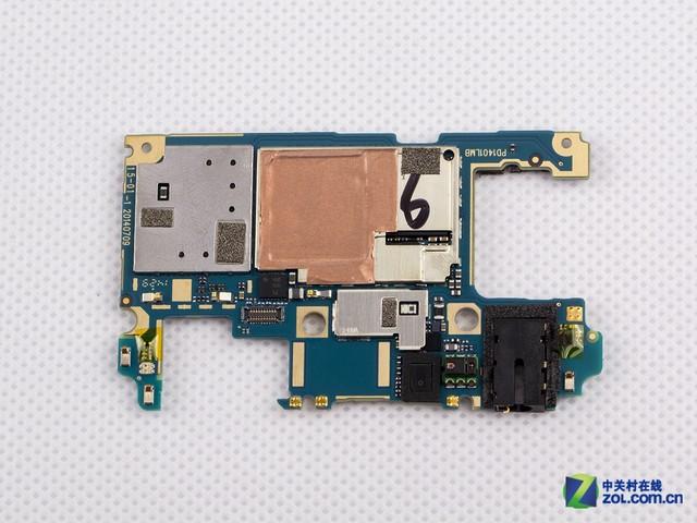 主板布局方面,vivo x5实现了最小的pcb面板布局设计,这也是vivo x5能