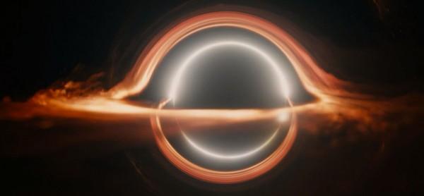 《星际穿越》黑洞特效制作推动科学讨论 (7/7)