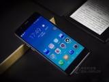 海信双屏手机A2实拍图