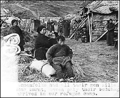 日本轮奸_图5:原图英文说明:在南京附近被日本人处决的中国士兵.