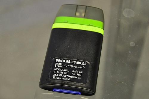 专为苹果打造 无线SD读卡器AirStash发布