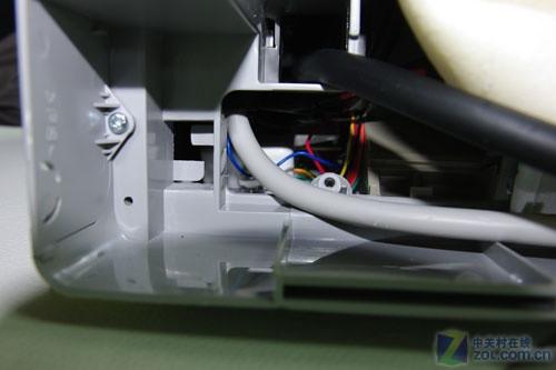 海信kfr-36gw/88fzbp背部电路接线处
