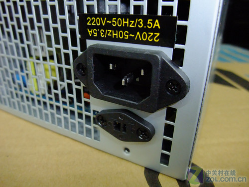 300w绿色环保电源 顺达秋霸500售220元