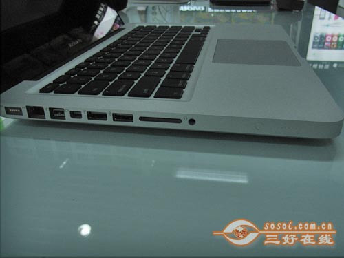轻薄便携本 苹果MC374CH/A热销不足万元
