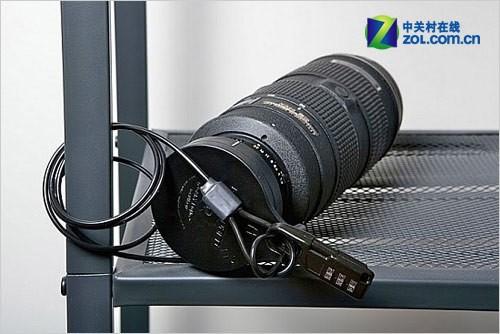 单反镜头而设计的gear guard镜头锁,该镜头锁由高强度的工业塑料制成