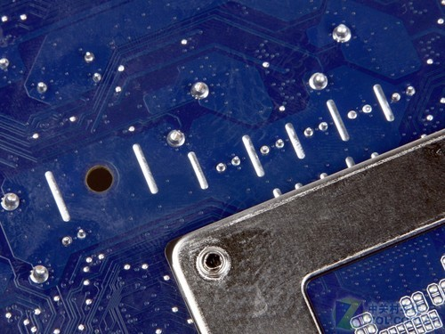 风格/标配USB3.0 富士康新风格H67美图赏析