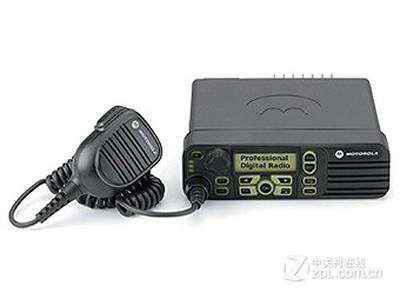 摩托罗拉 XiR M8268  电话:010-82699888可到店购买和咨询