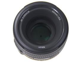 尼康AF-S 50mm f/1.8G顶部