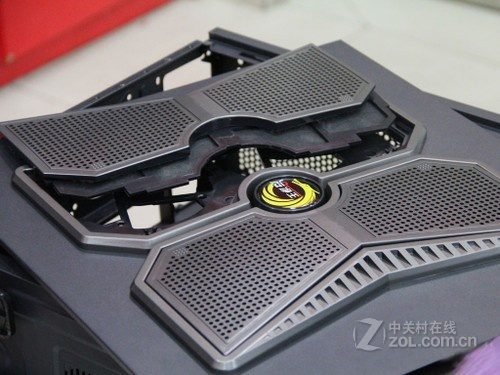 散热防尘兼具 大汉K3游戏机箱288元