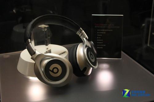 录音师再添5色 魔声新品耳机北京发布