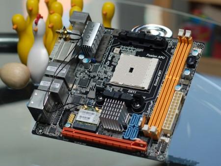 AMD平台的WIFI HTPC 索泰A75主板快递