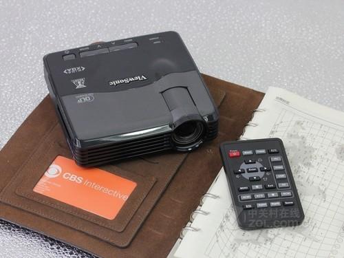 投影机优派 PLED-W200外观