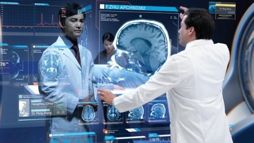 另一个宣传片中还展示了医院里是如何使用充满未来