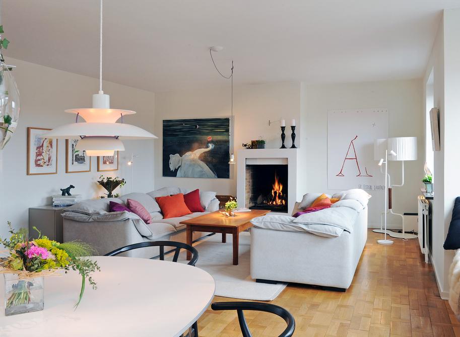 北欧风格讲究简洁、现代,以清浅的色彩为代表,整体舒适自然,同现代简约风格有着极大的相似,成为了如今装修中最受时尚年轻人欢迎的风格之一,颇受现在年轻人的喜爱。虽然国内的室内装修参考的价值并不算太高,但还是令人赏心悦目的,大的范围改变不了,但室内装饰细节部分还是可以模仿的。 2012-02-09 05:02