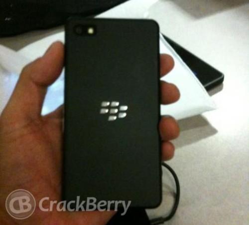 抛弃全键盘 Blackberry 10开发机曝光