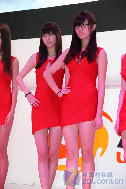 �ycj_cj2012游族展台美女showgirl现场直击