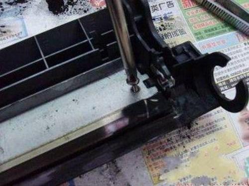 给力再现 佳能2900打印机硒鼓加粉图解