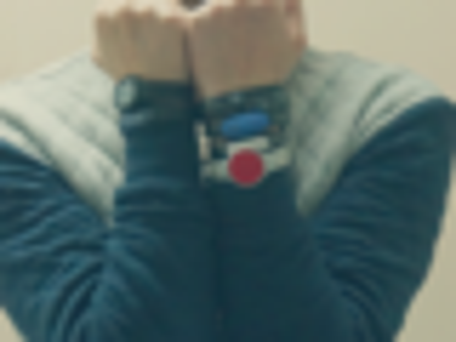 周周可穿戴:戴6个智能手环能优雅装X吗