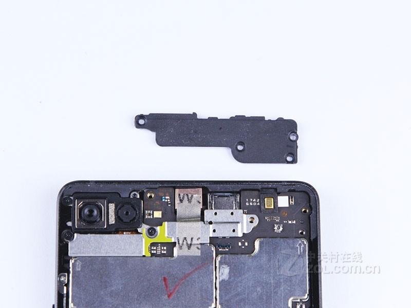 锤子科技坚果Pro 2(4GB RAM/全网通)专业拆机